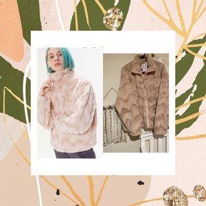 UO faux fur jacket 🖤